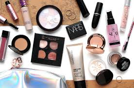 what s in my travel makeup skincare bag europe 2017 bare minerals benefit