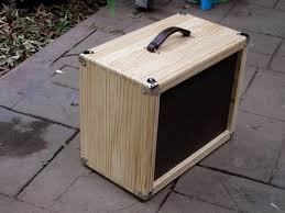 a compact 1x12 with a big sound options available closed or open back closed open back convertible size 520x420x290