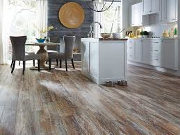 Dream Home Ultra Tuscan Fusion Maple   More Water Resistant Than Standard Laminate  Flooring!