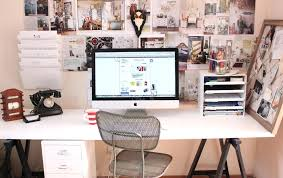 accessoriesexcellent cubicle decoration themes office. Outstanding Fascinating Office Cubicle Decorating Ideas With Unique Accessories On Gorgeous Desk Accessoriesexcellent Decoration Themes N