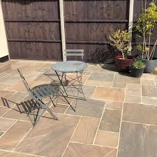 autumn umber sandstone paving slab pack