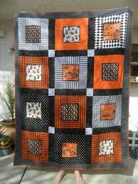 Best 25+ Halloween quilt patterns ideas on Pinterest | Baby quilt ... & Quilting: Halloween Quilt Easy Halloween quilt to make without a pattern -  as long as you similar fabrics - or do you have a pattern? Adamdwight.com