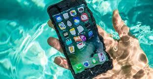 8.melepas baterai, sim dan sd card. Hp Masuk Air Ini Cara Mudah Memperbaikinya Tokopedia Blog