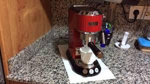 REALIZANDO CAFE EN CAFETERA NESPRESSO ESSENZA DE DELONGHI CON Nespresso Pierde Agua Por Debajo