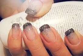 Αποτέλεσμα εικόνας για γαλλικο manicure σχεδια