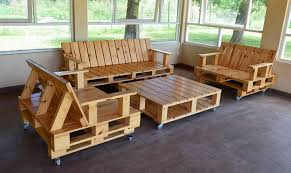 wood pallet furniture. Recycled Wood Pallet Furniture