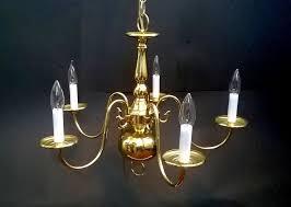 vintage brass chandelier colonial williamsburg beautiful jpg 1000x712 colonial brass chandelier shades