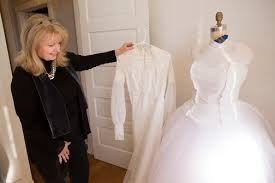 Brides say 'yes' to Hendrix's dresses - The Nashville Ledger