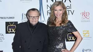 Larry king live debuted on june 1, 1985, and became. Larry King Admits Age Difference Caused Rift In Seventh Marriage