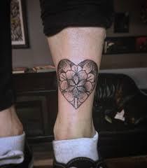 красивые эскизы тату для девушек на ногу маленькие татуировки для
