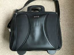targus leather roller laptop case with overnight section excellent condition