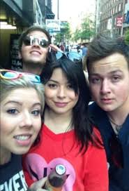 nathan kress then and now 2015. jerry trainor, jennette mccurdy, miranda cosgrove, nathan kress y noah munck emmy shurkonrad then and now 2015