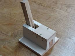 the pocket hole machine consists of an adjule table which is locked in position by star s on either end of the table and one underneath in the front