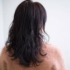 斜め前髪パーマスタイル長め横流し伸ばしかけ斜めぎみにカット