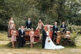 Fall Wedding Ideas  Lifeu0027s Precious Vows WeddingsBackyard Fall Wedding