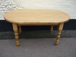 Round Pine Kitchen Table Round And Oval Tables Bespoke Kitchen And Dining Room Furniture