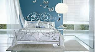 Silver Leaf Bedroom Furniture Ciacci Papillon Bed In Silver Leaf Uber Cool Designer Silver Bed