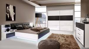 Schlafzimmer Mit Bett 180 X 200 Cm Weiss Hochglanz/ Schwarz Eiche ...