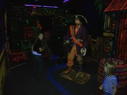 Black Light Put Put Golf Course Picture Of Playtime Pizza
