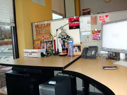 ways to decorate your office. Computer Desk Organization Ideas To Decorate Your Office For Christmas Decorating How Ways E