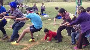 Uno de los juegos tradicionales del ecuador, que también es muy popular en varias partes de latinoamérica como en la cultura argentina y cultura venezolana, es la rayuela, también llamado el avioncito. Los Mejores Juegos Tradicionales De Ecuador