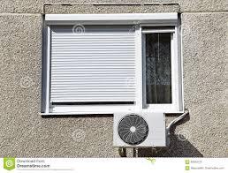 Klimaanlage Nahe Bei Einem Fenster Stockbild Bild Von Industrie
