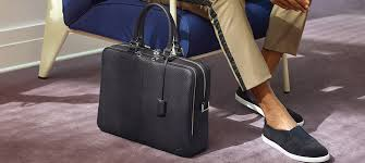 common mistakes nearly all men make with their bags