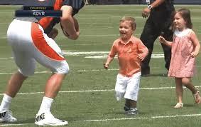 peyton manning kids. Peyton Manning Gets Sacked Kids H