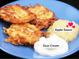 why latkes and applesauce are the