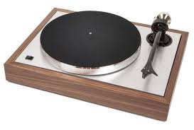 The <b>Classic</b> – Pro-Ject Audio Systems