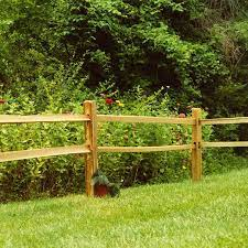 Gallery featuring images of 28 split rail fence ideas for residential homes, a selection of beautiful, rustic fences that don't cost a fortune. How To Install A Split Rail Fence Lowe S