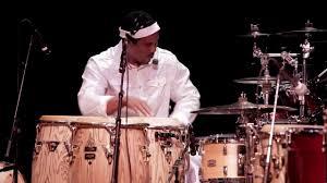 Roberto Smith Izquierdo (Capitán) - percusión - YouTube