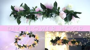 diy hanging flower wreath hula hoop party decor