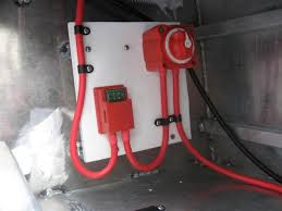 boat re wiring the hull truth boating and fishing forum this shows the power feed from the house battery note the heavy cable there is a master on off switch an inline maxi fuse rated at 30 amps some people
