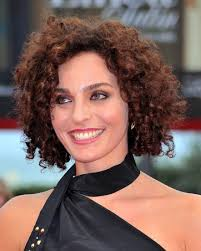 hairstyle sorelle mai premiere 67th venice film festival short hair curly