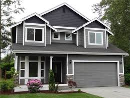 Craftsman home painted in Benjamin Moore Affinity exterior paint