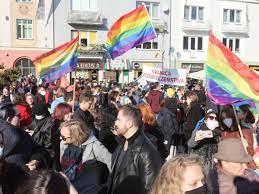 LGBT in Polen: Polens Parlament spricht über Gesetz zum LGBT-Demo-Verbot -  Politik - Stuttgarter Zeitung