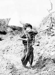 「沖縄住民が隠れた洞窟の入り口 1945」の画像検索結果