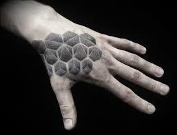 татуировки на кисти рук фото и эскизы значение тату на кисти