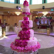 orchid petal wedding cake in pink and white bouquet wedding flower