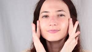 use eye makeup make yourself look pletely how