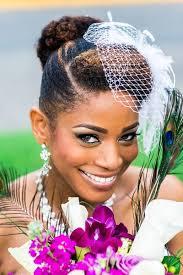 15 Idées De Coiffure Pour Mariées Sur Cheveux Crépus Les