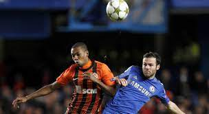 Manchester City strikt Fernandinho en Novaretti'