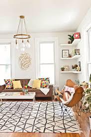 white neutral rug