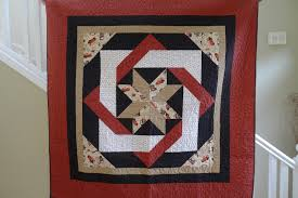 Like tuh-mater, but without the 'tuh | Sew There I Was & Labyrinth by Debbie Maddy of Calico Carriage Quilt Designs, Finished quilt Adamdwight.com