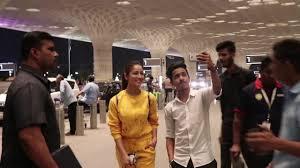 bollywood actress yami gautam without makeup spotted at airport dubai to india dubai video dubai informer