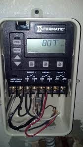 how to wire a pe153 digital timer to a 2 speed 230v motor this guide shows you how to wire the basic functions of a pe153 digital timer to a representative 2 speed 240v motor it is fairly simply but it requires an