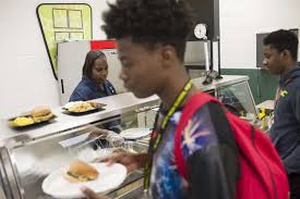 dyett high school for the arts school cook chandra y kigore school cook chandra kilgore serves lunch at dyett high school for the arts 26