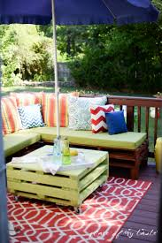 Pallet Furniture Pictures Diy Pallet Furniture A Patio Makeover