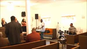 "Greater Mt. Carmel: Praise Team - ""Emmanuel"" (Byron Hudson - keyboardist &  Ephraim - drums) - YouTube"